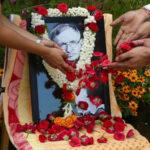 R.Unido: Miles de personas firman el libro de condolencias por Stephen Hawking