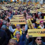 España: Miles de catalanes marcharon reclamando conformación urgente de gobierno
