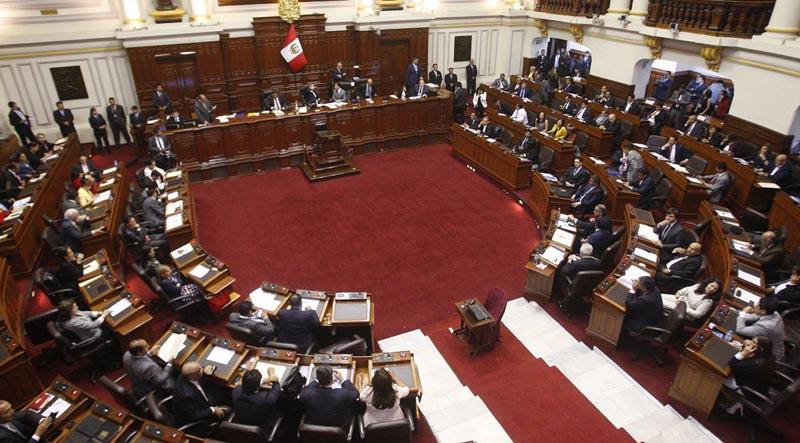 Pleno del Congreso admite moción de vacancia presidencial