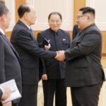 Delegación surcoreana llega a Corea del Norte para dialogar con Kim Jong-un (VIDEO)