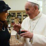 Cristina Fernández ve al Papa Francisco líder universal contra el neoliberalismo
