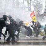 Francia: Violentos disturbios en protestas contra las reformas económicas de Macron (VIDEO)
