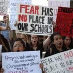 EEUU: Miles de estudiantes marchan este sábado exigiendo mayor control de armas