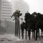 EEUU: Vientos huracanados, lluvias torrenciales, rayos y nevadaseste lunes en Florida