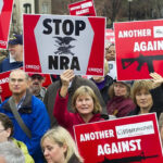 EEUU: Asociación Nacional del Rifledemanda a Florida por aprobar ley de control de armas