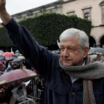 López Obrador amplía ventaja rumbo a Presidenciales de México, según sondeo