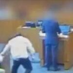 EEUU: Pandillero se lanza sobre rival en pleno tribunal y es abatido a balazos (VIDEO)