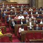 Parlamento catalán reivindica derecho de investidura a Puigdemont y exige liberar presos (VIDEO)