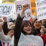 Miles de personas se manifiestan en toda España por unas pensiones dignas