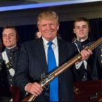 """EEUU: Trump advierte que """"nunca"""" se derogará el derecho a portar y usar armas (VIDEO)"""