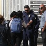 EEUU advierte que detendrá a los inmigrantes que buscan asilo si ingresan ilegalmente