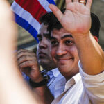 Periodista Carlos Alvarado gana elecciones presidenciales en Costa Rica