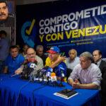 Venezuela: Maduro condena ataque a caravana del candidato opositor Falcón