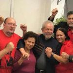 Brasil: Seguidores piden a Lula no entregarse y resistir atrincherado en Sindicato Metalúrgico