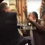 Exministro italiano abofetea a periodista en plena entrevista (Video)