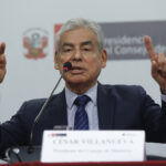 """Jefe del Gabinete afirma que """"ideologías extremas no funcionan"""""""