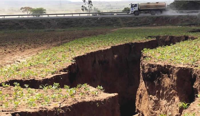 Una enorme grieta divide África