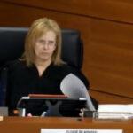 """Cesan a jueza por trato """"tiránico"""" a una acusadaque sufría falta de aire y murió (VIDEO)"""