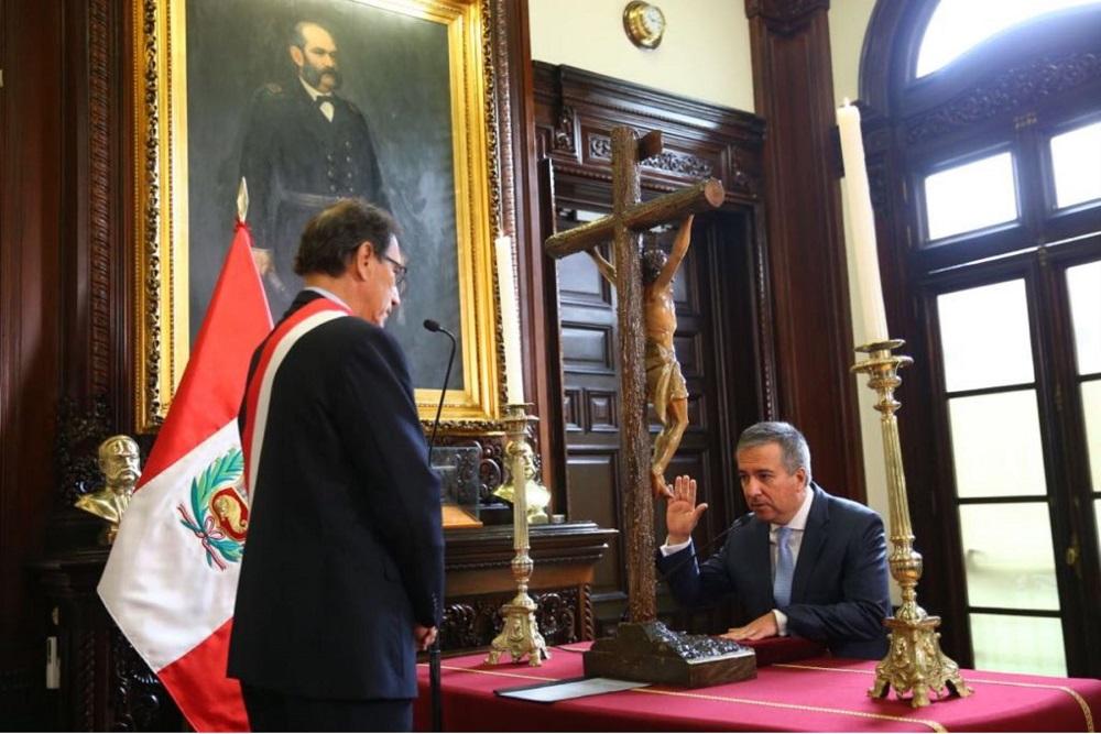 Raúl Pérez-Reyes juramenta como nuevo ministro de Producción