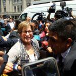 Villarán participa en deslacrado de documentos hallados en su casa