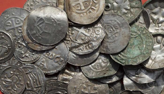 Resultado de imagen para Un adolescente descubre en Alemania el tesoro de un rey vikingo del siglo X