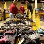 EEUU: Once municipios de La Florida se unen contra la libre venta de armas de fuego (VIDEO)