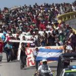 México: Viacrucis migrante se reagrupa y avanza hacia la frontera con EEUU (VIDEO)