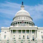 EEUU: Congreso aprueba suavizar reforma financiera del expresidente Obama