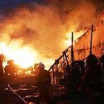 """Puente Piedra: Voraz incendio destruye 710 puestos del mercado """"Monumental"""" (Videos)"""