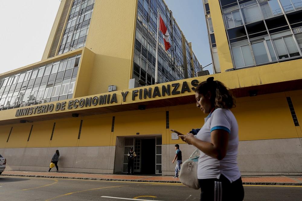 MEF anticipa que Presupuesto de 2019 seguirá enfocándose en reducción de gastos