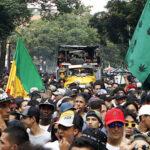 Miles de personas marchan en Medellín para exigir legalización de marihuana