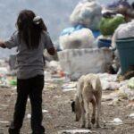 Pobreza, conflictos y exclusión amenazan a mitad de los niños del mundo