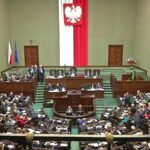 Parlamento polaco aprueba recorte del 20 % al salario de los diputados