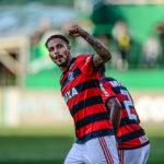 Paolo Guerrero se entrena con el Flamengo pero Trauco aún no