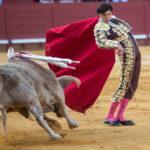 Andrés Roca Rey corta cuatro orejas y rabo en una tarde triunfal en Jerez