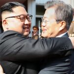 Kim y Moon se ven en secreto y por sorpresa para tratar la cumbre con Trump