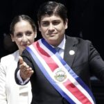 Periodista Carlos Alvarado jura como presidente de Costa Rica