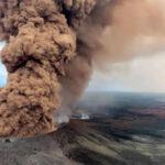 EEUU: El volcán Kilauea entra en erupción explosiva obligando a evacuar podbladores