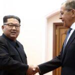 "Rusia: Lavrov le regala a Kim Jong-un ""una cajita para guardar secretos"""