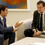 """España: Rivera pide """"soluciones""""a gobierno de Rajoy y no """"salir corriendo"""" de Cataluña"""
