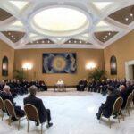 El Papa se reunió con obispos chilenos para abordar los casos de abusos