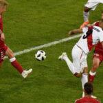 El taco magistral de Paolo Guerrero que mereció acabar en gol ante Dinamarca