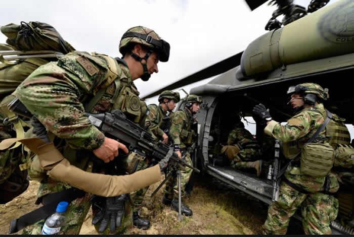 Mueren 10 disidentes de FARC en combates con ejército en Colombia