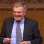 Reino Unido: Diputado paraliza ley para castigar fotos por debajo de las faldas