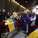 Ecuador: Cámara, libreta y llave simbolizan último adiós a equipo de prensa
