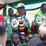 Zimbabue: Presidente sale ileso de explosión con 8 heridos durante un mitin
