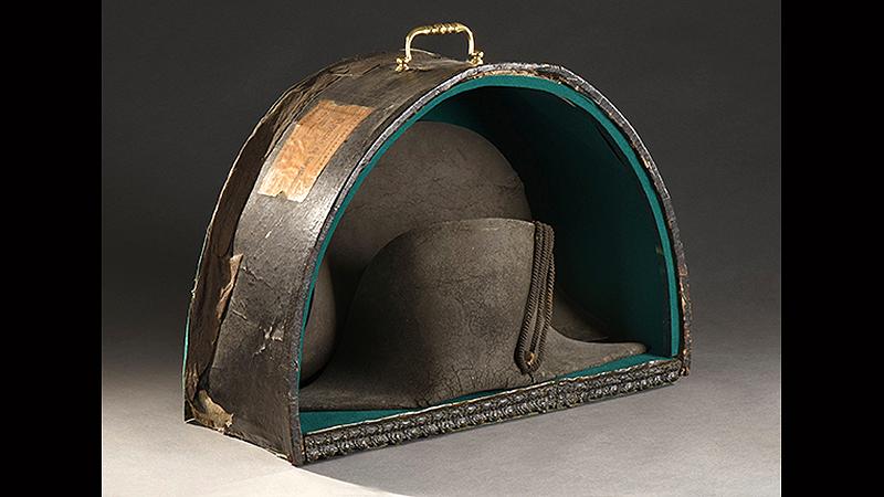 568cbf2291fd7 Sombrero que Napoleón perdió en Waterloo fue subastado en US  407.000