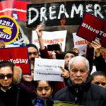 Congresistas republicanos plantearán ciudadanía a soñadores a cambio de muro fronterizo (VIDEO)