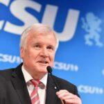 Seehofe: Si Merkel no aprueba mi trabajo la coalición debe terminar