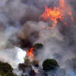 EEUU: Ordenan evacuar a miles de personas por voraz incendio en condado de California (VIDEO)